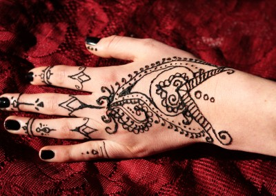 Traditional Henna style
